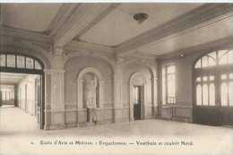 Erquelinnes - Ecole D'Arts Et Métiers - 2 - Vestibule Et Couloir Nord - Pas Circulé - TBE - Erquelinnes