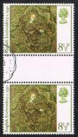 GB SG1019 1976 Christmas 8½p Good/fine Used Gutter Pair - 1952-.... (Elizabeth II)