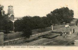 V1601 Cpa Gabès - Le Cercle Militaire Et L'entrée Du Camp - Tunisie