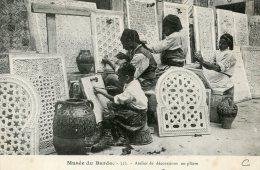 V1605 Cpa Musée Du Bardo, Atelier De Décorations En Plâtre - Tunisie