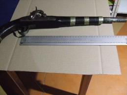 Pistolet Kabyle Production   Milieu Du  XIX SIECLE Poudre Noire  A Percussion - Non Classés
