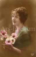 Postcard / CP / Postkaart / Femme / Woman / Lady / Ed. E. M. / No 107 - Femmes