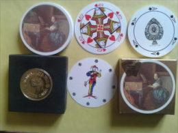Jeu De Collection. 52 Cartes Rondes + 2 Jokers.dans Sa Boite Carton. Waddingtons Fine. - Playing Cards (classic)