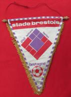 FOOTBALL / SOCCER / FUTBOL / CALCIO - STADE BRESTOIS BRETAGNE BREST, France, Vintage Big Pennant, Wimpel - Habillement, Souvenirs & Autres