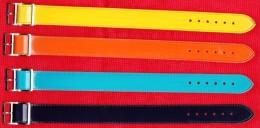 QUATRE BRACELET (S) DE MONTRE NEUFS VERNIS ET TOILE JAUNE ET ORANGE BLEU NUIT ET TURQUOISE 18mm BOUCLE BLANCHE. N° 61 - Autres