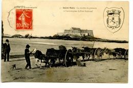 Saint MALO - La Récolte Du Goëmon à L'arrière Plan Le Fort National - Saint Malo