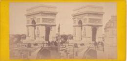 Vieille Photo Stereoscopique Paris Vers 1870 Arc De L Etoile Tres Animée Caleche Passant  Tbeg - Stereoscopic