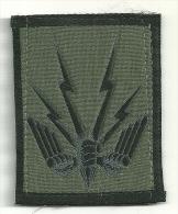 Ecusson  Militaire -- Commandement  Force  Action Terrestre -- - Ecussons Tissu