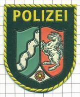 + Ecusson / Patch. Police. Polizei. Policia. Polizia. Politie. - Police & Gendarmerie