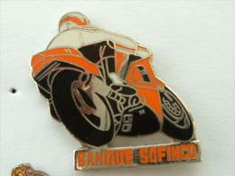 PIN´S MOTO - BANQUE SOFINCO - ORANGE - Motorbikes