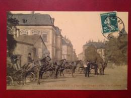 73 Savoie Cpa CHAMBERY Place De L'Hotel De Ville Les Cochers - Chambery