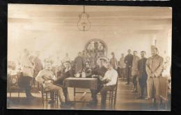 Cpa Photo Non Localisée - Blessés En Convalescence Posant  - Han52 - Guerre 1914-18