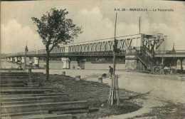 CPA - Bordeaux (33) - Pont  Ferroviaire Et La Passarelle - Ouvrages D'Art