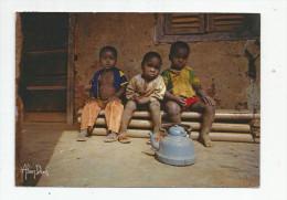 G-I-E , Cp , CAMEROUN , BAFOUSSAM , Photo : Denis , Enfants , écrite , Ed : Cinedia - Cameroun