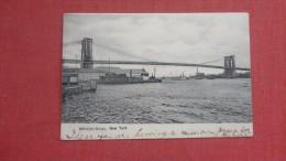 - New York> New York City > Brooklyn Bridge  ==ref   33 - Brooklyn