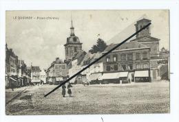 CPA   - Le Quesnoy  - Place D'Armes - Le Quesnoy