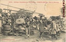 DAHOMEY PORTO-NOVO SUR LE MARCHE FEMME SEINS NU EROTISME ETHNOLOGIE ETHNIC AFRIQUE - Dahomey