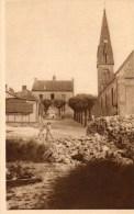 - 61 - CHAMBOIS. - L'Eglise Et Le Monument Aux Morts - - Autres Communes