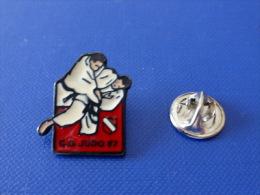 Pin´s Judo - Club CD Comité Départemental 67 - Bas Rhin Alsace (PB34) - Judo
