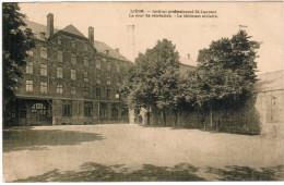 Liège, Institut Professionnel St Laurent, Le Cour De Récréation, Le Bâtiment Scolaire (pk27730) - Liege