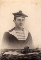 CPA 1856 - MILITARIA - Carte Photo Militaire - Marine Nationale - Marin - Photo ?? Rue De L'Union CHERBOURG - Personen