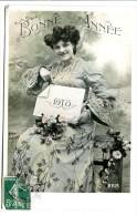 Bonne Année 1910 Avec Femme Et Fleurs - Nouvel An
