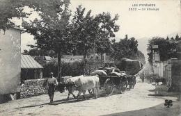 Les Pyrénées - Un Attelage De Boeufs - Carte M.T.I.L. N°2022 - Wagengespanne