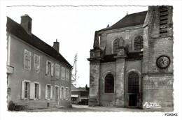 * FC - Coulanges-la-Vineuse - La Place De L´Eglise - Coulanges La Vineuse