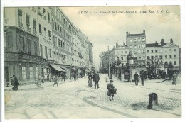 LYON - La Place De La Croix Rousse Et Grand'Rue - Lyon