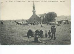 Pardon De Sainte Ste Anne La Palud 49 ND Phot La Priere Sur La Montagne Carte Animée Hommes Femmes - Autres Communes