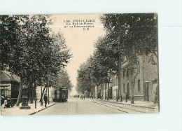 PETIT IVRY - Rue De Paris Avec Arrvivée Du Tramway - Gendarmerie - Animée - BE - Ed. Malcuit - 2 Scans - Ivry Sur Seine