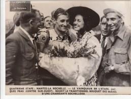 TOUR DE FRANCE 1948-4° ETAPE NANTES LA ROCHELLE-LE VAINQUEUR DE L´ETAPE JACQUES PRAS - Wielrennen