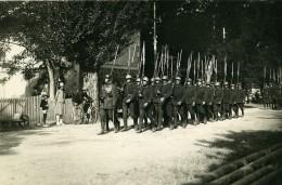 France Defile Troupes Militaires Fusils Baïonnette Ancienne Photo 1914 - War, Military