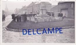 INCHY En ARTOIS 1939 - Cérémonie Du 11 Novembre Au Monument Aux Morts ( Pas De Calais ) - Lieux