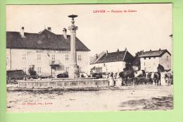 LEVIER - Fontaine Du Centre Avec Vaches S' Abreuvant - Auberge MAIROT CARESCHE - Beau Plan En TBE - Ed. Coupas - 2 Scans - Non Classés
