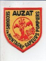 """Pompiers - Ecusson Ou Badge De Manche Tissu  """" Sapeurs Pompiers De Auzat 09 """" Secours En Montagne - Firemen"""
