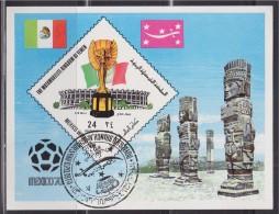 = Bloc 1 Timbre Yémen Oblitéré Non Dentelé Mexico 1970 Stade Trophée Et Statues - Fußball-Weltmeisterschaft