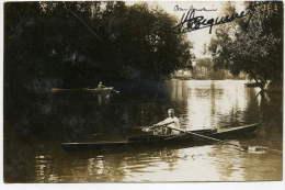 Carte Photo Montrant Un Rameur Sur Son Embarquation Signature Bequenet - Conv. Ligne La Garenne à Paris - Photographie