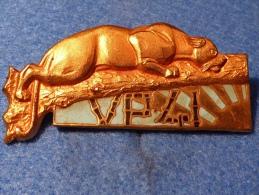 N° 75 - Insigne Indochine - Vedette De Port V.P. 41 - Marine