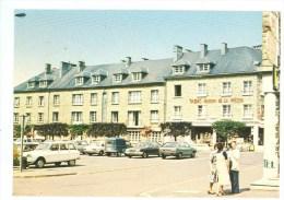08 - CARIGNAN - Place De La Fontaine (automobiles Citroen.... Commerces) - Frankreich