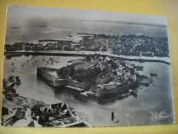 29 161 - CONCARNEAU - VUE AERIENNE DE LA VILLE CLOSE - 1956 - Concarneau