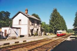 La Miouze (63) 29/09/2002 - Autorail X4039 - Stations With Trains