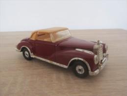 Corgi, Mercedes Benz 300S, Manque Un Montant De Capotte (AR63) - Cars & 4-wheels