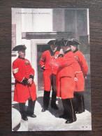 UK, England, London's Chelsea Pensioners, Postcard, Military Topic - London Suburbs