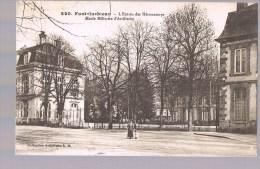 FONTAINEBLEAU . L'Entrée Des Héronnières ( Ecole Militaire D'Artillerie ) . - Fontainebleau