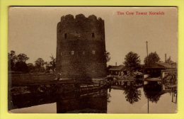 Cambridgeshire - Norwich, The Cow Tower - Postcard - Norwich