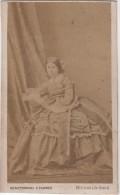 CDV Photo Originale XIX ème Femme Noblesse ? Superbe Robe Par Gérothwohl Tanner Paris Cdv437 - Ancianas (antes De 1900)