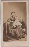 CDV Photo Originale XIX ème Couple Enfant Par Numa Blanc Paris Cdv441 - Photos
