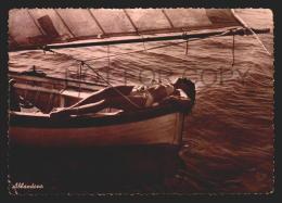 Risque Model On Yatch Bikini Napoli Vincenzo Carcavallo Photo Vintage Original Ca1950 POSTCARD CPA AK (W4_2556) - Pin-Ups
