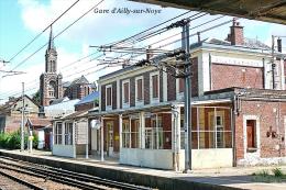 Gare D´Ailly-sur-Noye , Département De La Somme - Une Photo Reproduit Carte Postale  10x15 Cm. - Bahnhöfe Ohne Züge